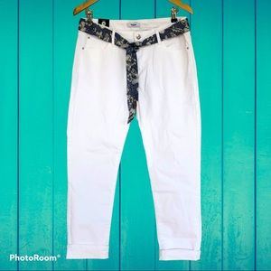 NWT KENSIE JEANS cuffed cropped white ankle jeans